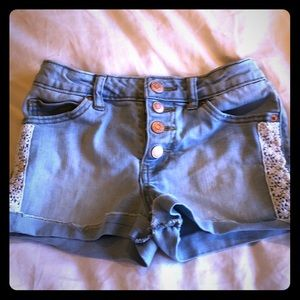 Girls denim short with lace trip